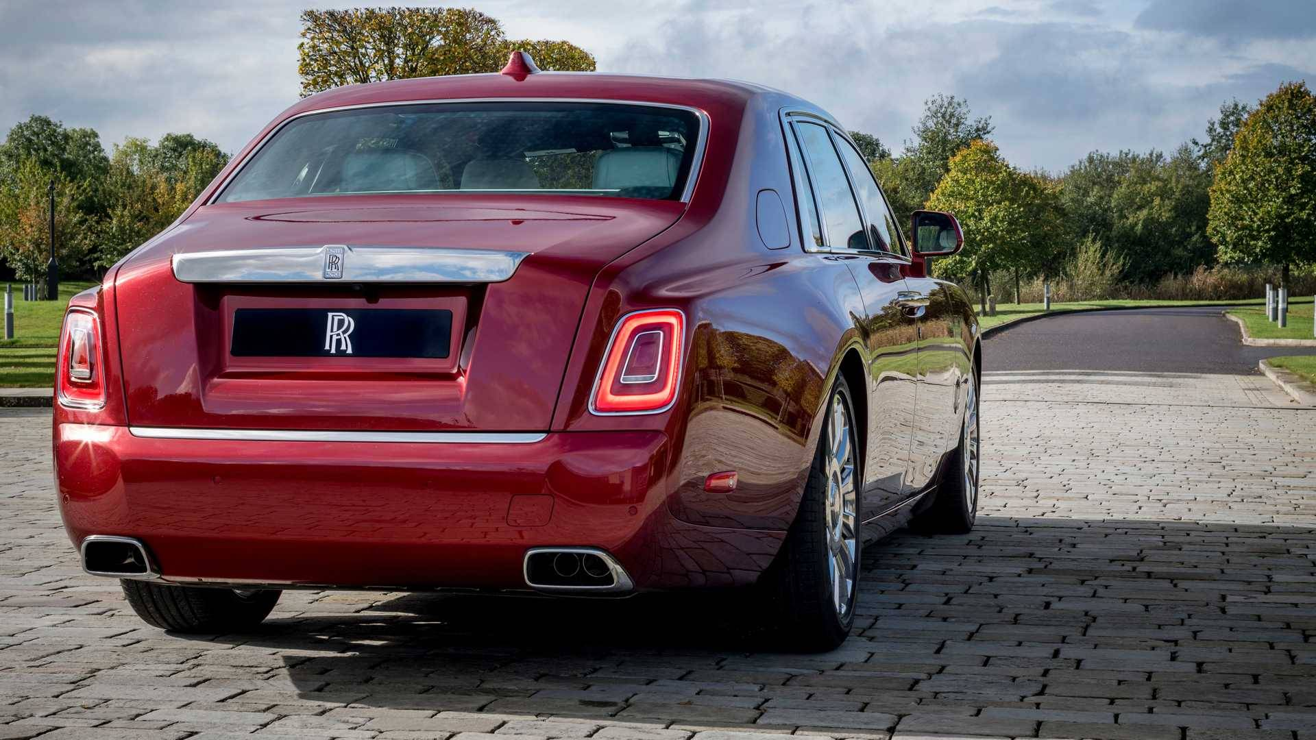 Rolls-Royce Phantom Red